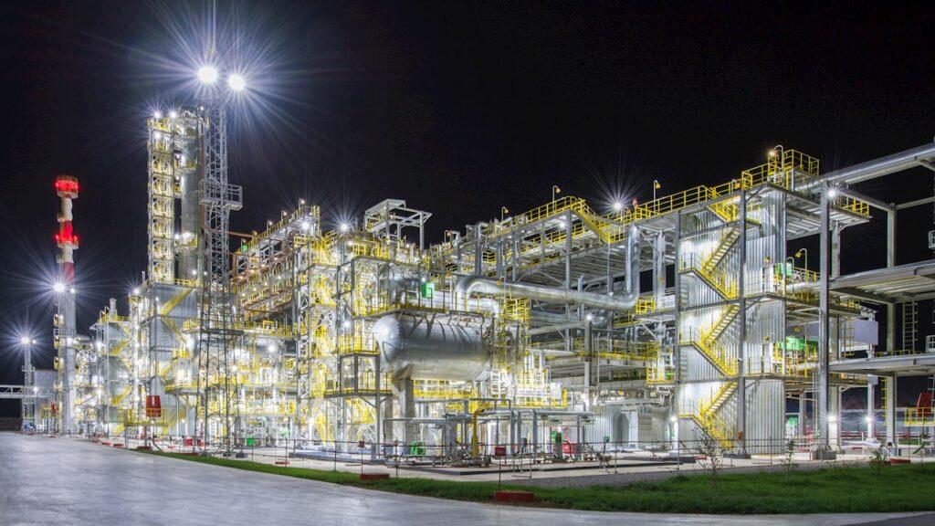 Az olajrészvények és a finomítók